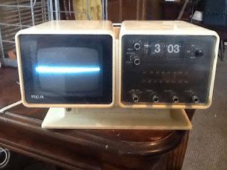RCA Vintage Flip Clock T.v. Radio.