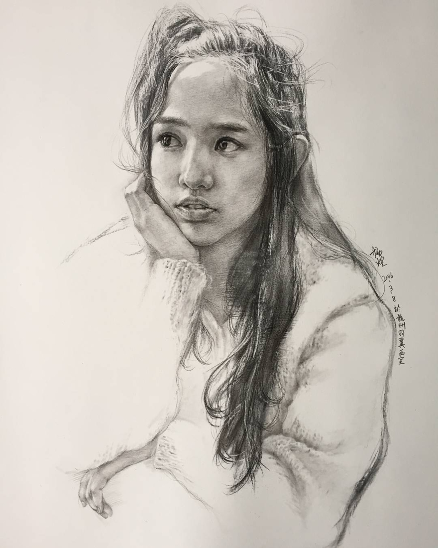 08-Lee-Charcoal-Portraits-full-of-Expressions-and-Emotions-www-designstack-co