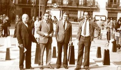 Los organizadores del encuentro de ajedrez C.C Sant Andreu - S.C. Lira, 1984