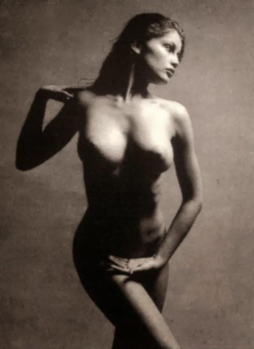 Nude Laetitia 18