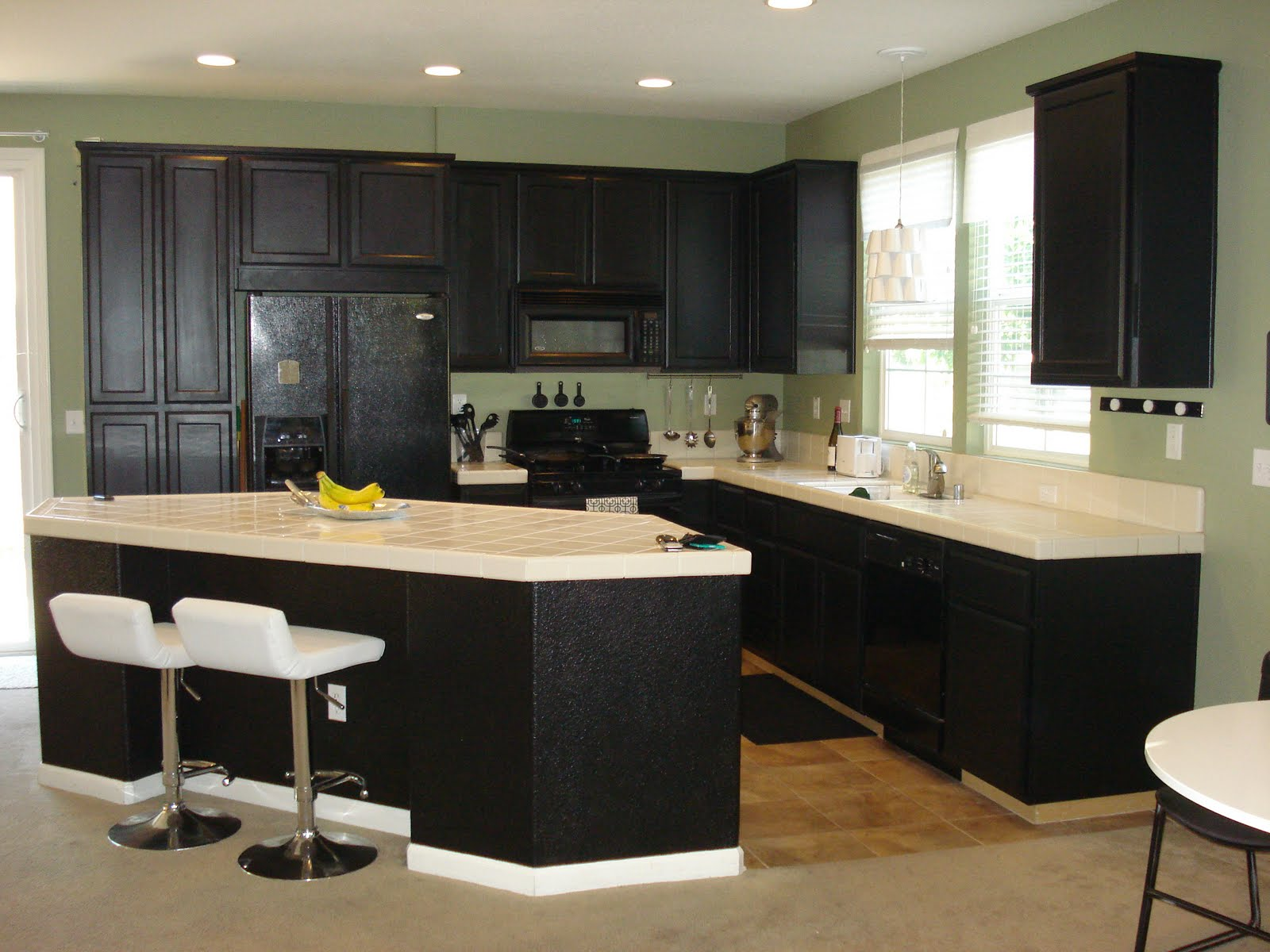 DIY Paint Kitchen Cabinets Black