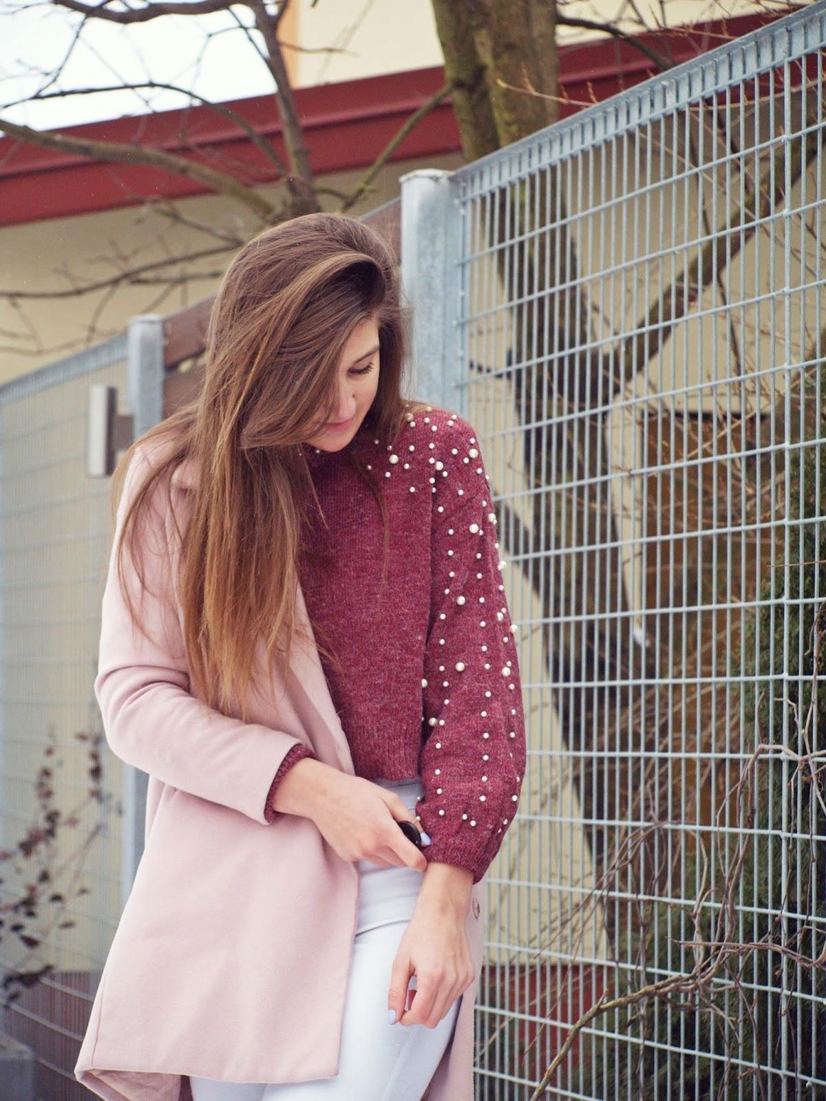 burgundy sweater pearls | leggins | belt