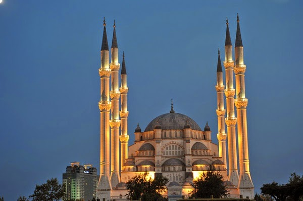 Sabancı Merkez Camii, Adana | Tatil Rehberi