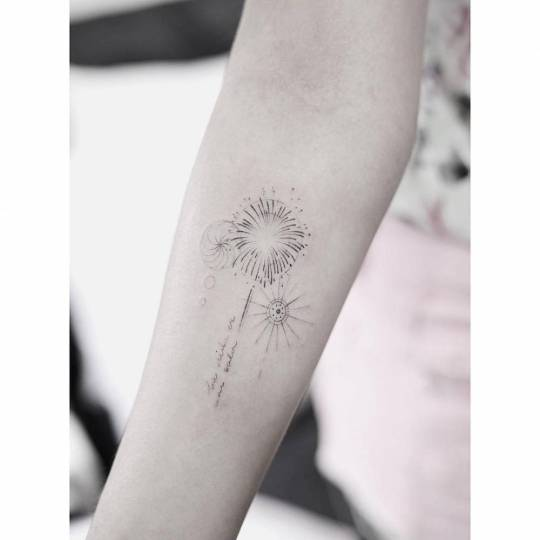 15 Gorgeous Fine Line Tattoo Designs