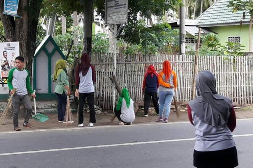 Dikbud Gandeng Guru Dan Siswa se- Kota Benteng, Laksanakan Kerja Bakti