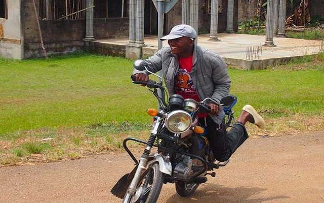 [Video] Nigerian Motorbike Rider Sleeps While Riding Okada
