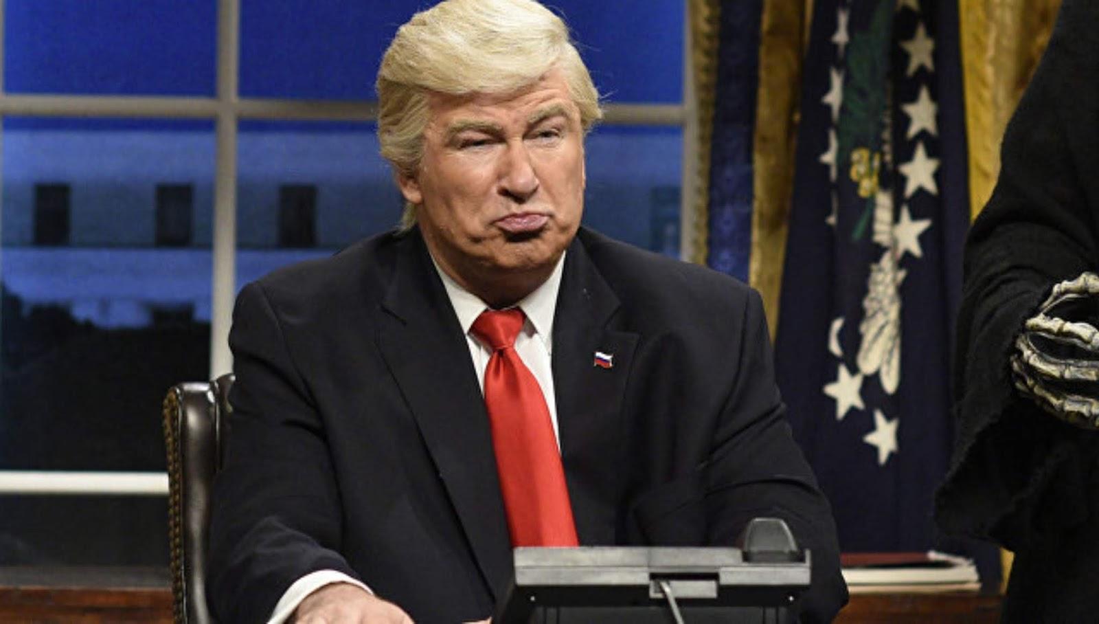 Alec Baldwin menyerukan penggulingan pemerintahan Trump