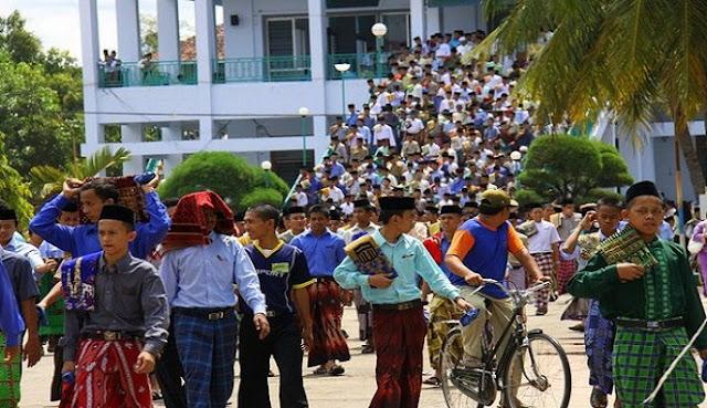 Beratnya Orang Tua Melepas Anak Ke Pondok Pesantren, untuk Kebaikan Dunia Akhirat