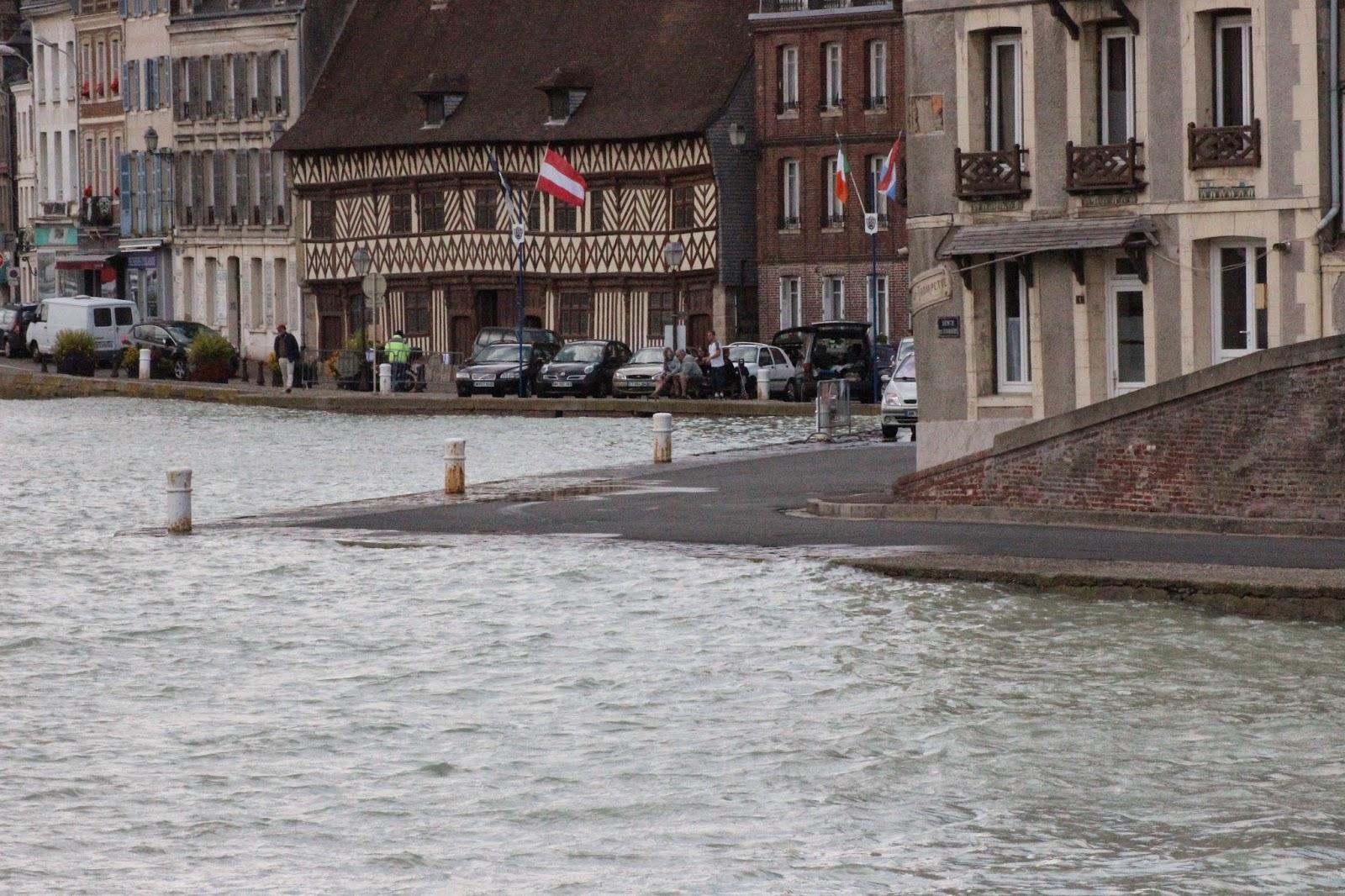 Saint val ry en caux grandes mar es ao t 2014 - Saint valery en caux restaurant du port ...