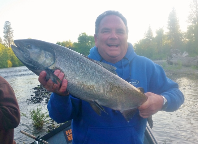 Spring salmon fishing is picking up and steelhead fishing for Rogue river fishing report