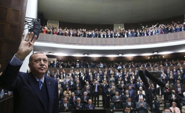 Στα δύο η Τουρκία – Συνασπισμός της αντιπολίτευσης κατά Ερντογάν και Γκρίζων Λύκων