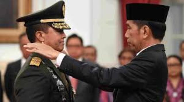 Rezim Jokowi Terlalu Jauh Menyeret Militer ke Dunia Politik