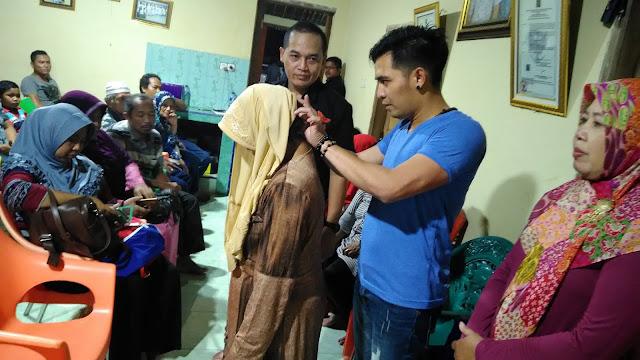 Bian Gindas Dalami Terapi Saraf Telinga Ala Masudin di Jombang