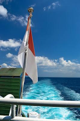 kapal ferry padang bai - lembar