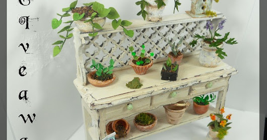 Minifanaticus, Spring Equinox Potting Bench Giveaway!!!!!!!!!