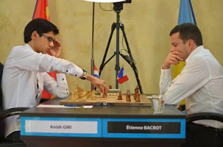Ronde 5 : Anish Giri (2737) 0-1 Etienne Bacrot (2723) © site officiel