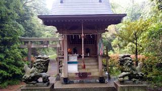 平山季重神社祠
