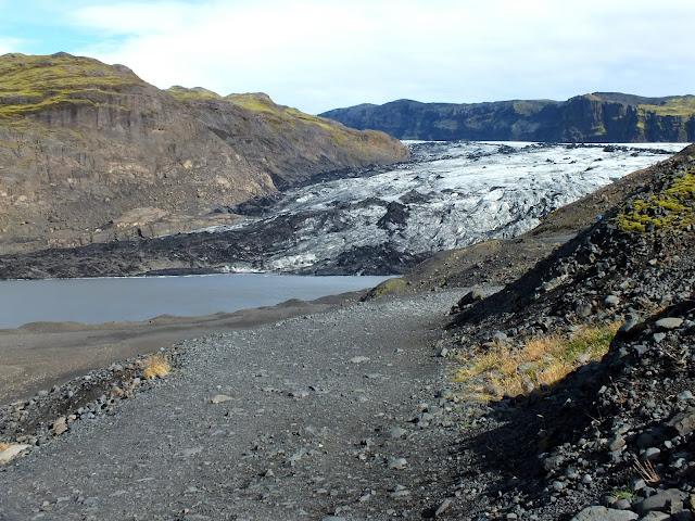 camino 221 hasta un glaciar Islandia