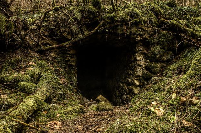 Cave entrance into ancient elven shrine (Sacrifice of Innocence)