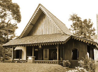Keunikan Sejarah Rumah Adat Tradisional Kebaya Betawi DKI Jakarta Tempat Wisata Keunikan Sejarah Rumah Adat Tradisional Kebaya Betawi DKI Jakarta