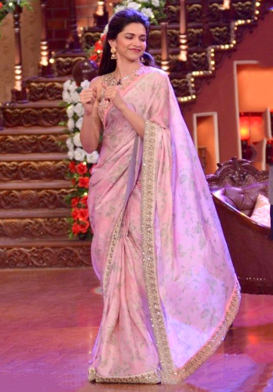 Deepika Padukone in saree, festive, fashion blog, Chamber of Beauty blog