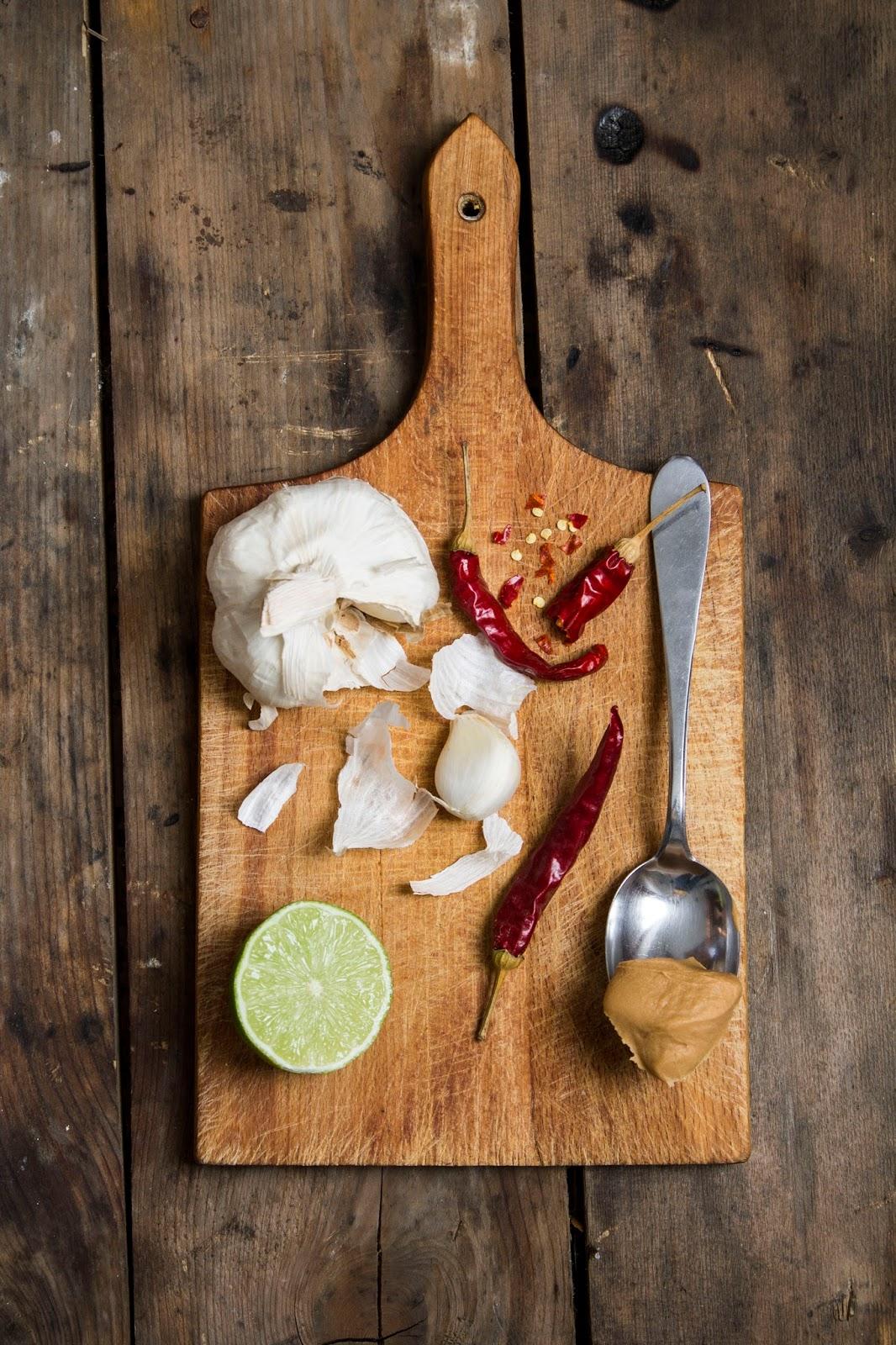 Foto ingredienti per salsa al burro di arachidi e salsa di soia