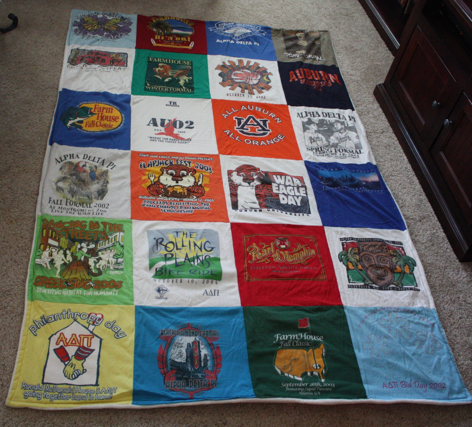 The Dixie Chicken Quilts T Shirt Quilts