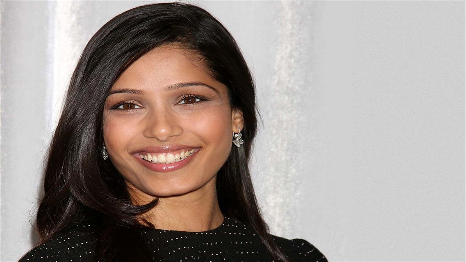 Young Freida Pinto naked (38 photo), Pussy, Leaked, Selfie, swimsuit 2018