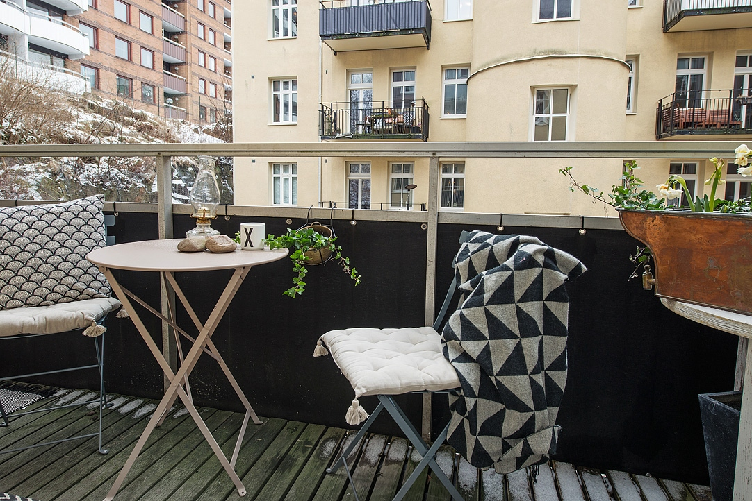 tanie sposoby na balkon, balkon skandynawski