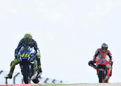 Rossi Tak Anggap Marquez Sebagai Rival Spesial
