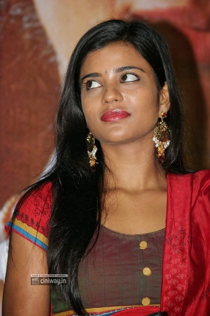 aishwarya rajesh in jomonte - photo #35