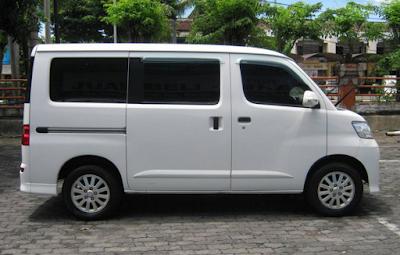 Eksterior Daihatsu Luxio Prefacelift