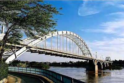 The white bridge or the suspension bridge is one of the most beautiful bridges of Ahwaz built by a German family on the beautiful river of Karun.