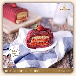 medan-napoleon-strawberry