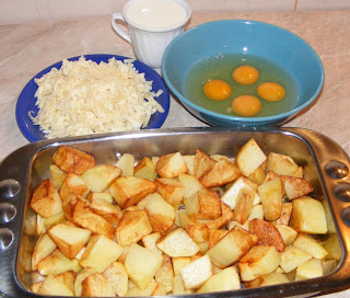 preparare cartofi la cuptor cu branza oua si smantana, retete cu cartofi, preparate din cartofi, retete culinare,