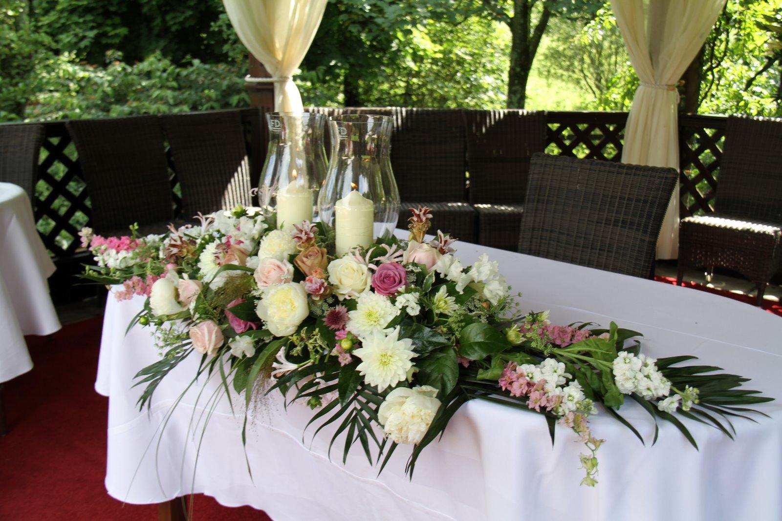 Flower Design Wedding Ceremony Styling: July 2011