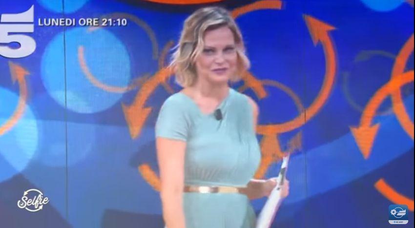 Canzone Mediaset pubblicità Selfie - Da lunedì 8 Maggio, alle 21.10 su Canale 5 - Musica spot Maggio 2017