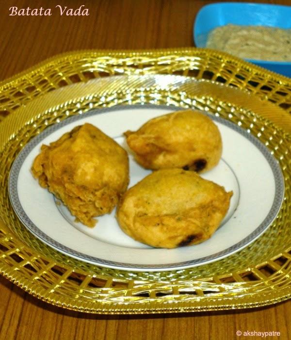 batata vada ready to serve
