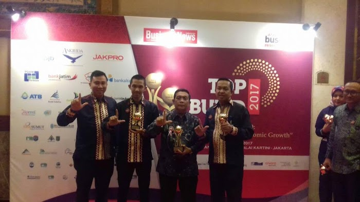 Gubernur Lampung Meraih Anugrah Top Pembina BUMD