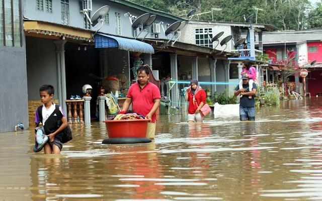 Penduduk 'Kenduri' Ikan, Limpahan Air Sungai Pahang Bawa Rezeki