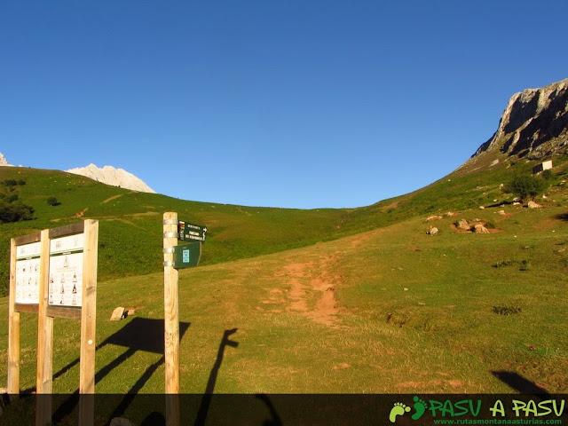 Inicio de ruta en el aparcamiento de Collado Pandebano