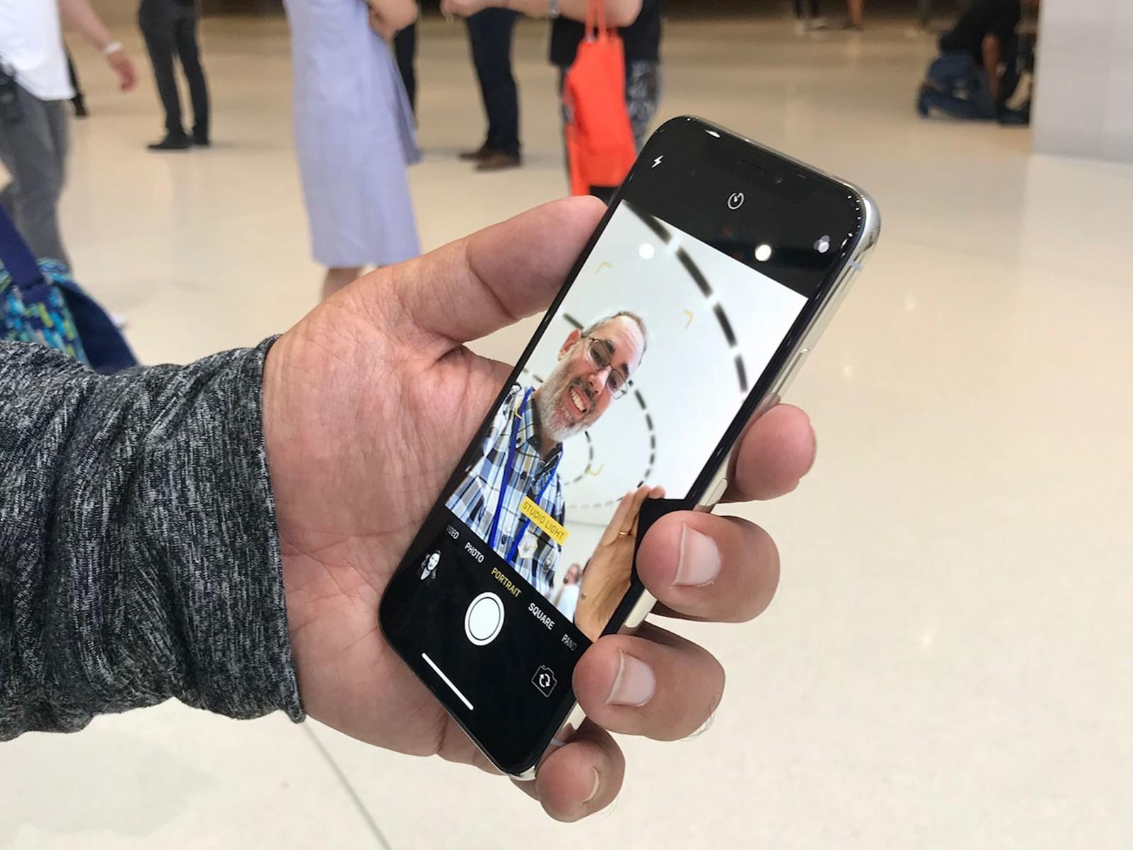 Thủ thuật chụp ảnh selfie đẹp bằng iPhone X