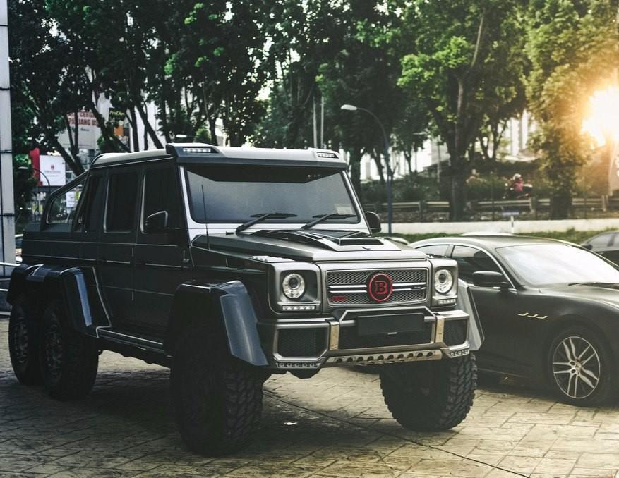 Mercedes Brabus G700 6x6
