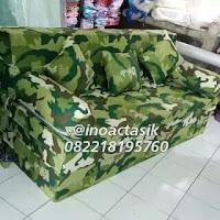 Sofa bed Inaoc motif loreng hijau inoactasik