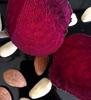 Rote-Bete-Mandel-Brot, Rezept glutenfrei & vegan, Bio, Minimalismus: Zubereitung einfach + schnell, Healthy Food Style