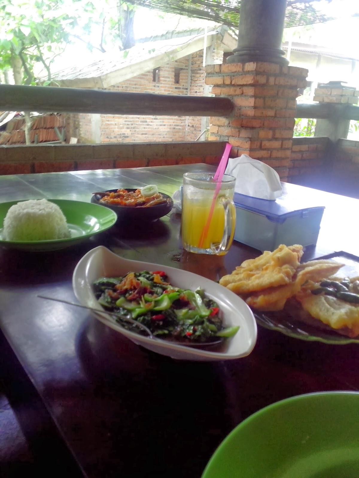 tempat makan yang enak di depok ala urang rh alaurang com