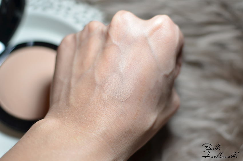 MAC Mineralize Skinfinish Natural Swatch