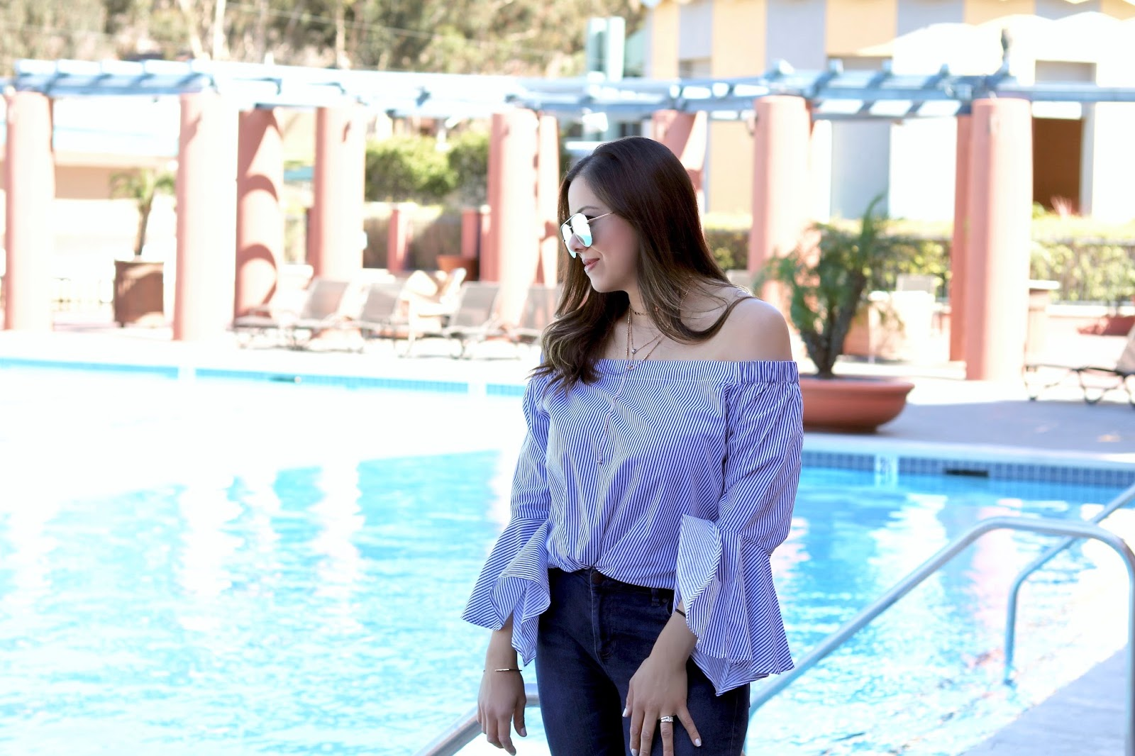 hyatt regency la jolla poolside, chic outfits in san diego, chic jean outfit