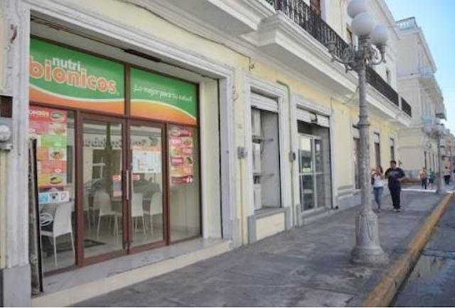 A punta de cuchillo asaltan negocio en pleno centro histórico de Veracruz. Noticias en tiempo real