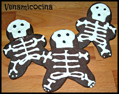 Esqueletos de chocolate. Receta de Halloween